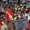 """Unas 300 marchan a pie contra el """"desmantelamiento"""" del Hospital Laredo"""
